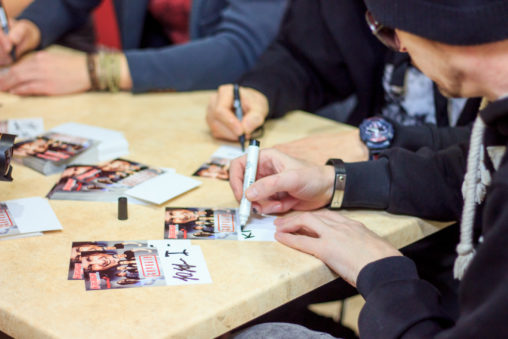 Автограф-сессия группы «Скрябин»