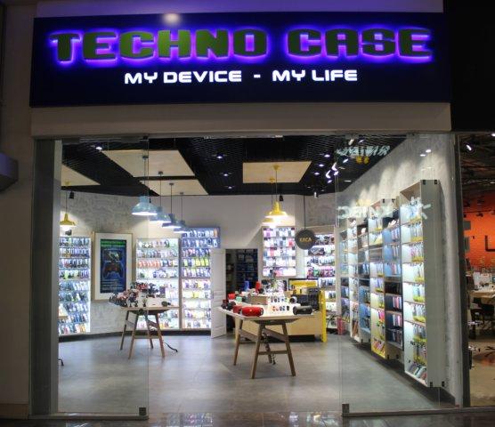 TECHNO-CASE